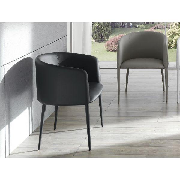 Poltroncina per soggiorno o per camera da letto design for Poltroncina camera da letto