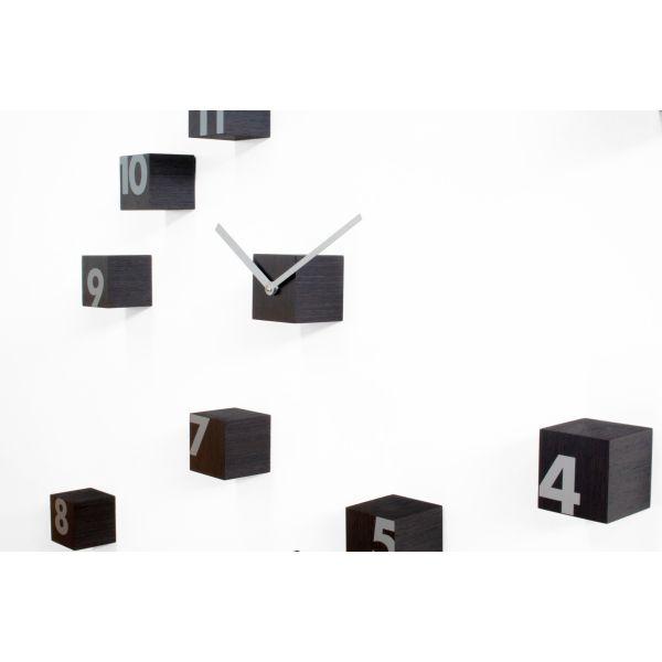 Orologio da parete a cubetti in legno liberamente posizionabili RND_Time