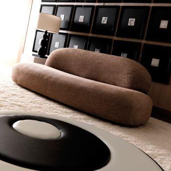 Divano moderno Scoop a 3 posti in tessuto per arredo salotto 225 cm