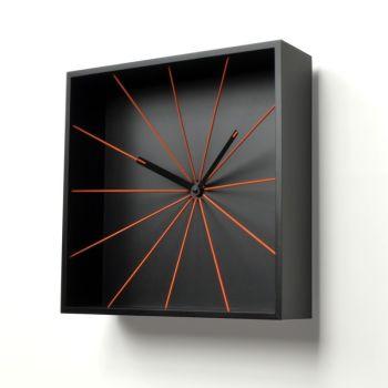 Orologio da parete Prospettivo quadrato in legno design moderno 30 x 30 cm