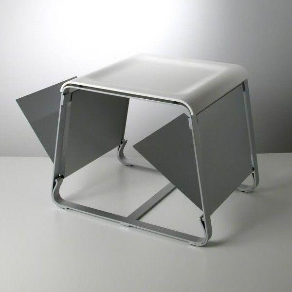 Tavolino con portariviste e piano vassoio in plexiglass Flap