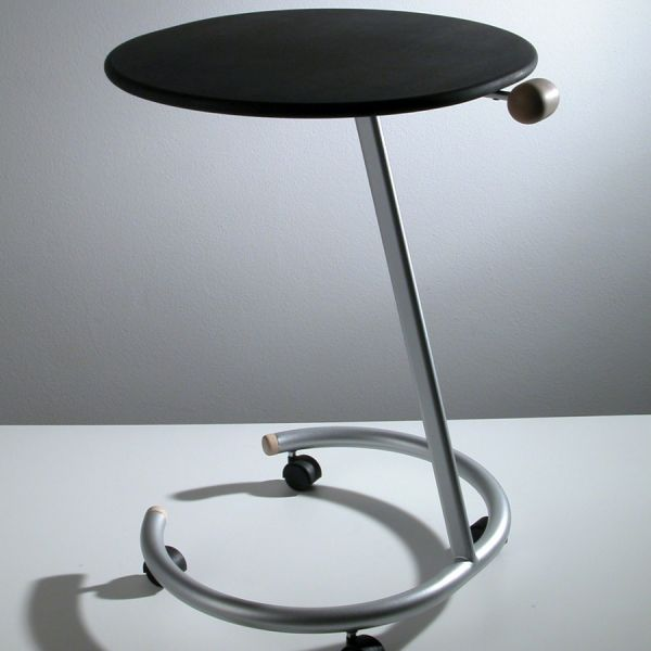 Tavolino con ruote trottolo lato divano per salotto design for Tavolini design