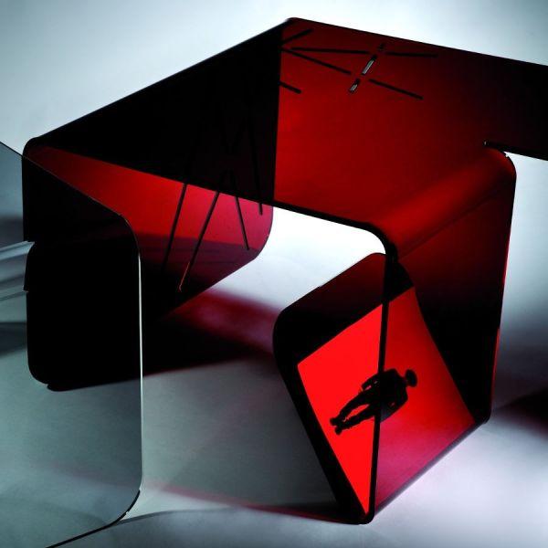 Tavolino salotto in plexiglass rosso trasparente o fumè Alfa