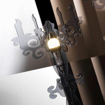 Fantasmino lampada da tavolo in metacrilato a forma di candeliere