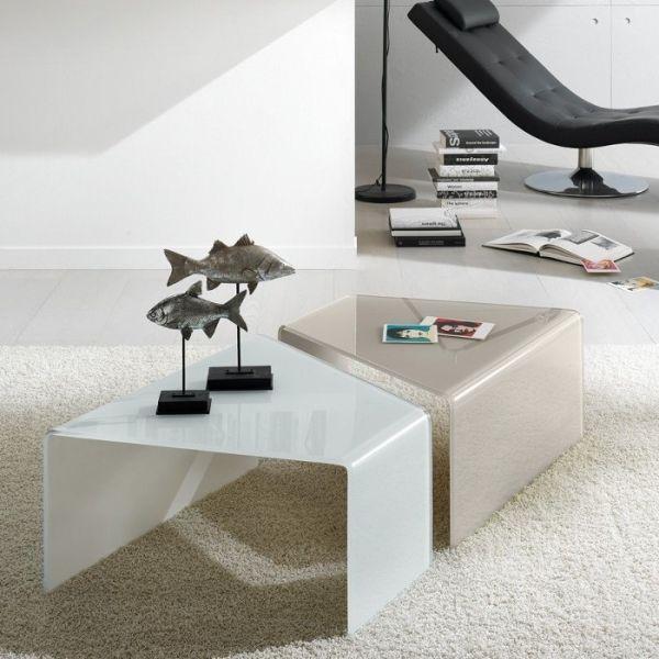 Coppia tavolini ballarat in vetro curvato 12 mm bianco o for Tavolini vetro