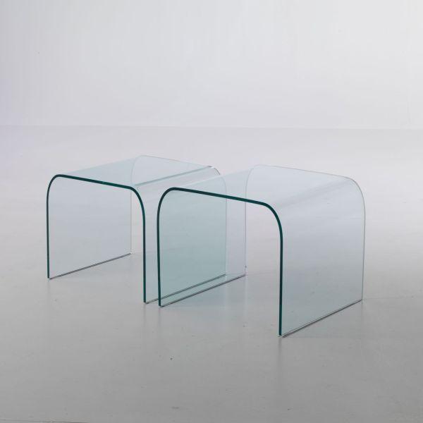 Coppia tavolini in vetro curvato Britta sovrapponibili 48 x 48 cm