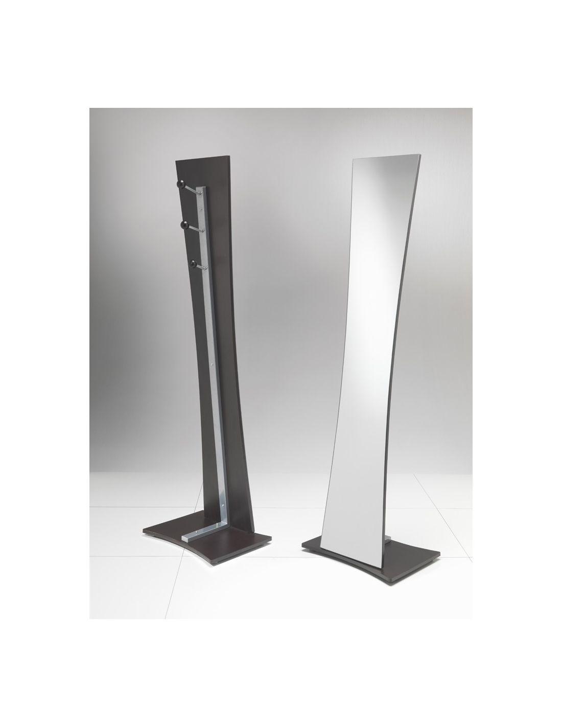 Specchiera da terra noriko con attaccapanni in metallo 160 cm for Specchiera ikea