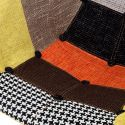 ColorMix poltroncina a dondolo in tessuto patchwork gambe in legno