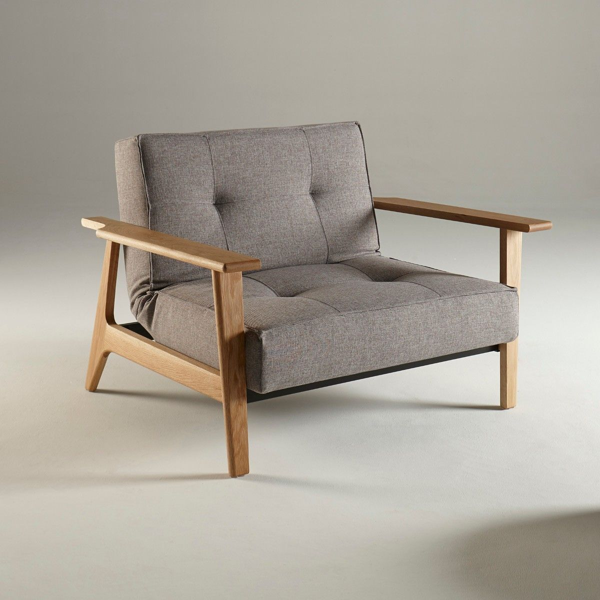 Poltrona splitback frej design scandinavo in tessuto for Poltrone design