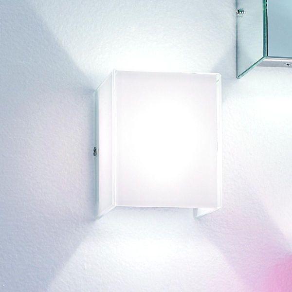 Lampada moderna a LED da parete in vetro bianco Compact D320