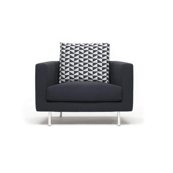Quadra poltrona moderna in tessuto o pelle per soggiorno for Poltrona design ebay