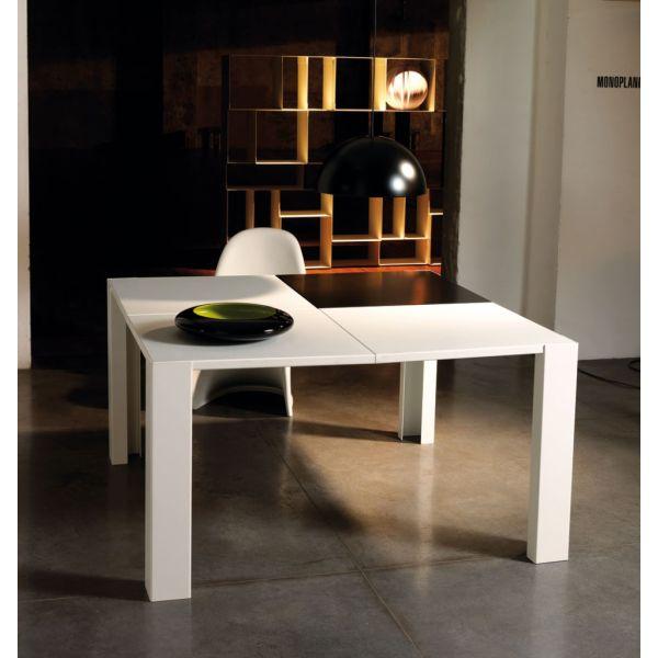 Tavoli cucina skakko tavolo da pranzo design moderno in for Home design 9358