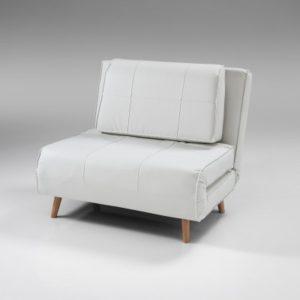 Arredare piccoli spazi 7 idee per chi vive in un bilocale - Poltrona singola letto ...
