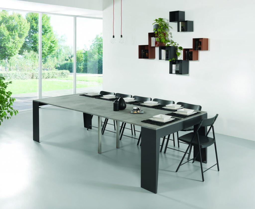 Tavolo consolle allungabile con sedie Marvel aperto