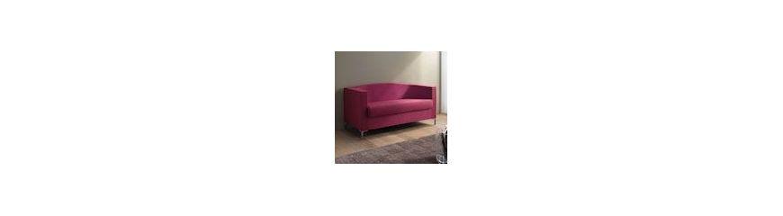 di divani moderni e classici in pelle o tessuto per il soggiorno ...